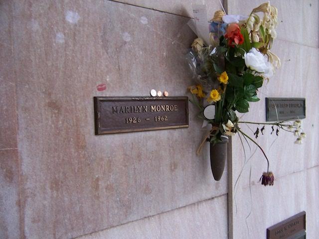 Marilyn_Monroe_crypt2