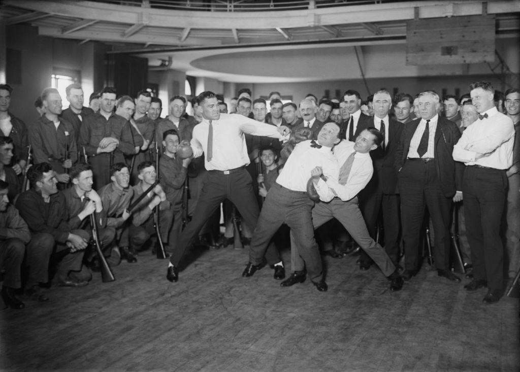 Jack_Dempsey,_Harry_Houdini_and_Benny_Leonard2