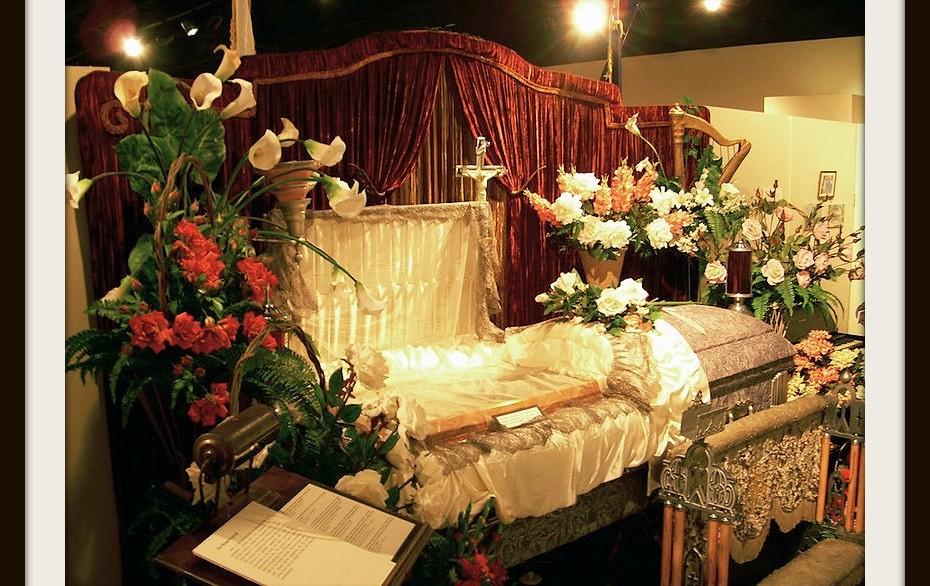 via www.funeral-hq.com